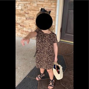 Old navy cheetah dress 5t bow like new